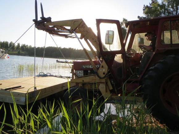 Min gamla traktor orkade ta sig ner till rampen och tillbaka.