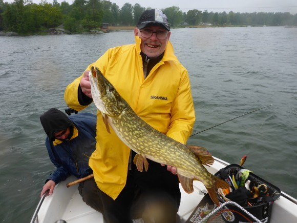 Mats Klämde av den sista godkända fisken i tävlingen